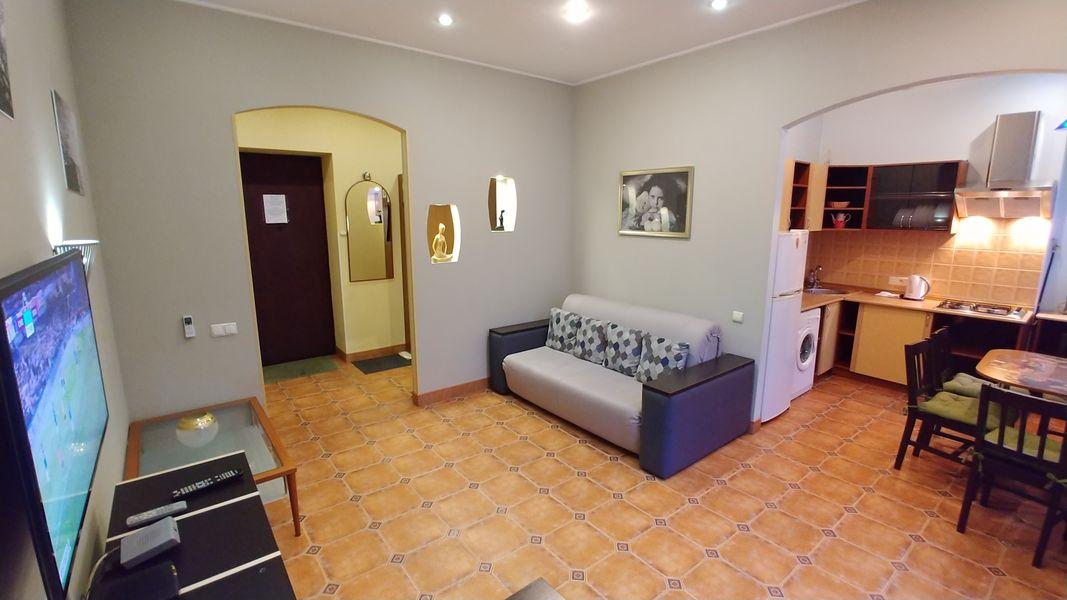 One bedroom. 4 Grinchenko str. Maidane square