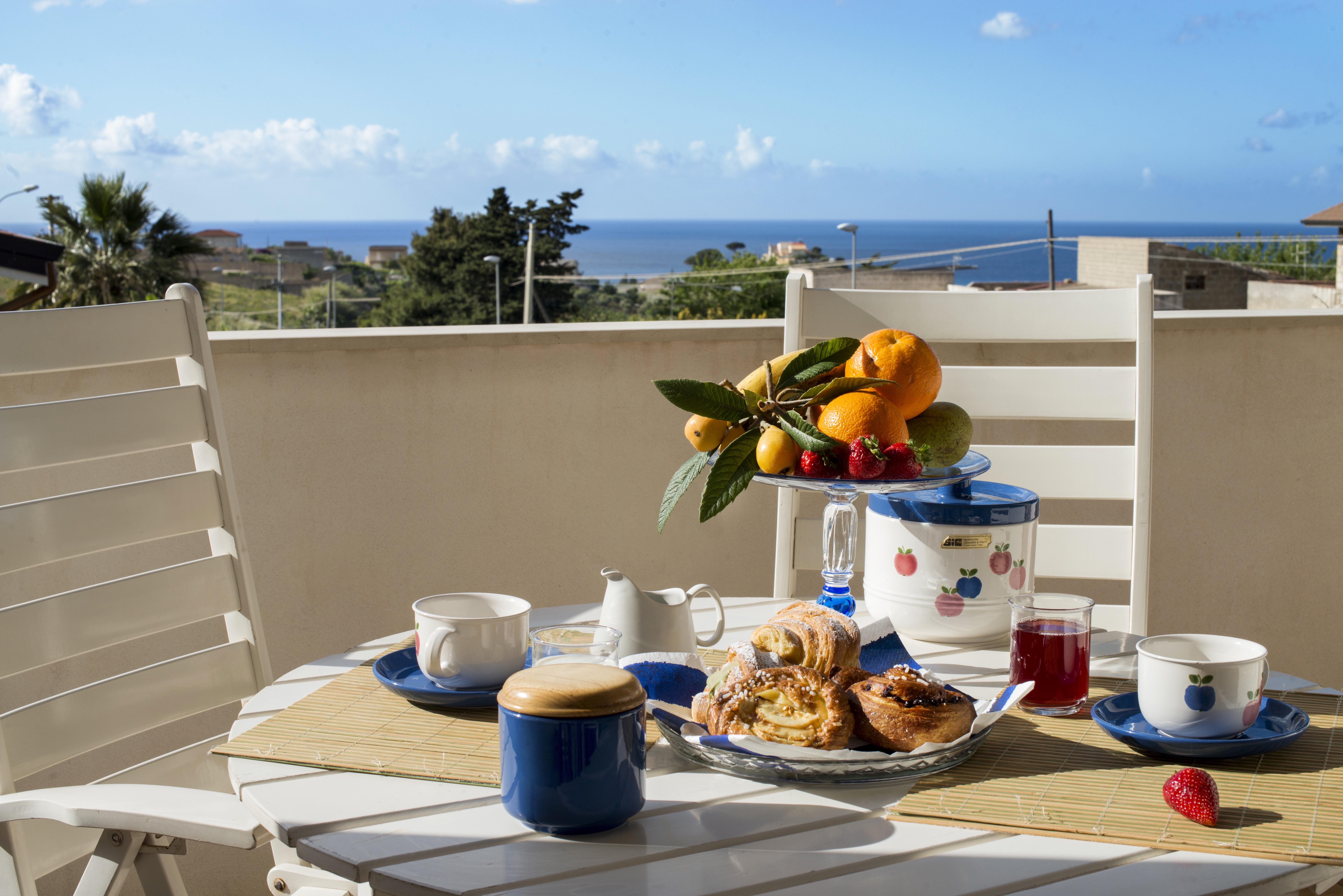 Holiday house Villa Scampati 7 Plätze am Meer mit Garten, Grill und Parkplatz (2388901), Alcamo, Trapani, Sicily, Italy, picture 3