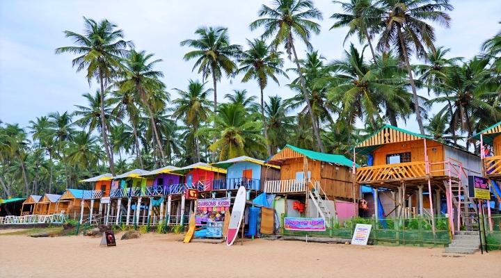 En resa till Indien & Goa's färgglada strandhus