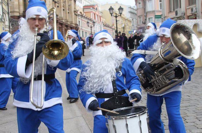 На вокзалах в Москве играют джаз JazzPeople
