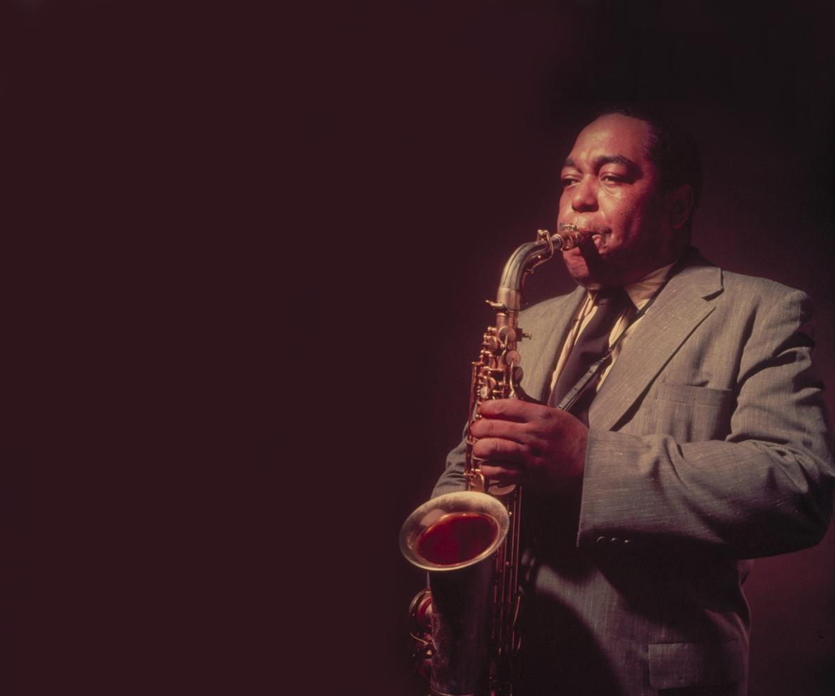 Низкий голос джазовый исполнитель мужчина негр