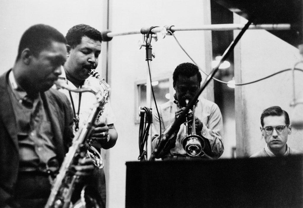 Джон Колтрейн (John Coltrane), Кэннонболл Эддерли (Cannonball Adderley), Майлс Дэвис (Miles Davis) и Билл Эванс (Bill Evans)