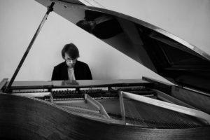 «Джаз на крыше»: трио Игоря Яковенко
