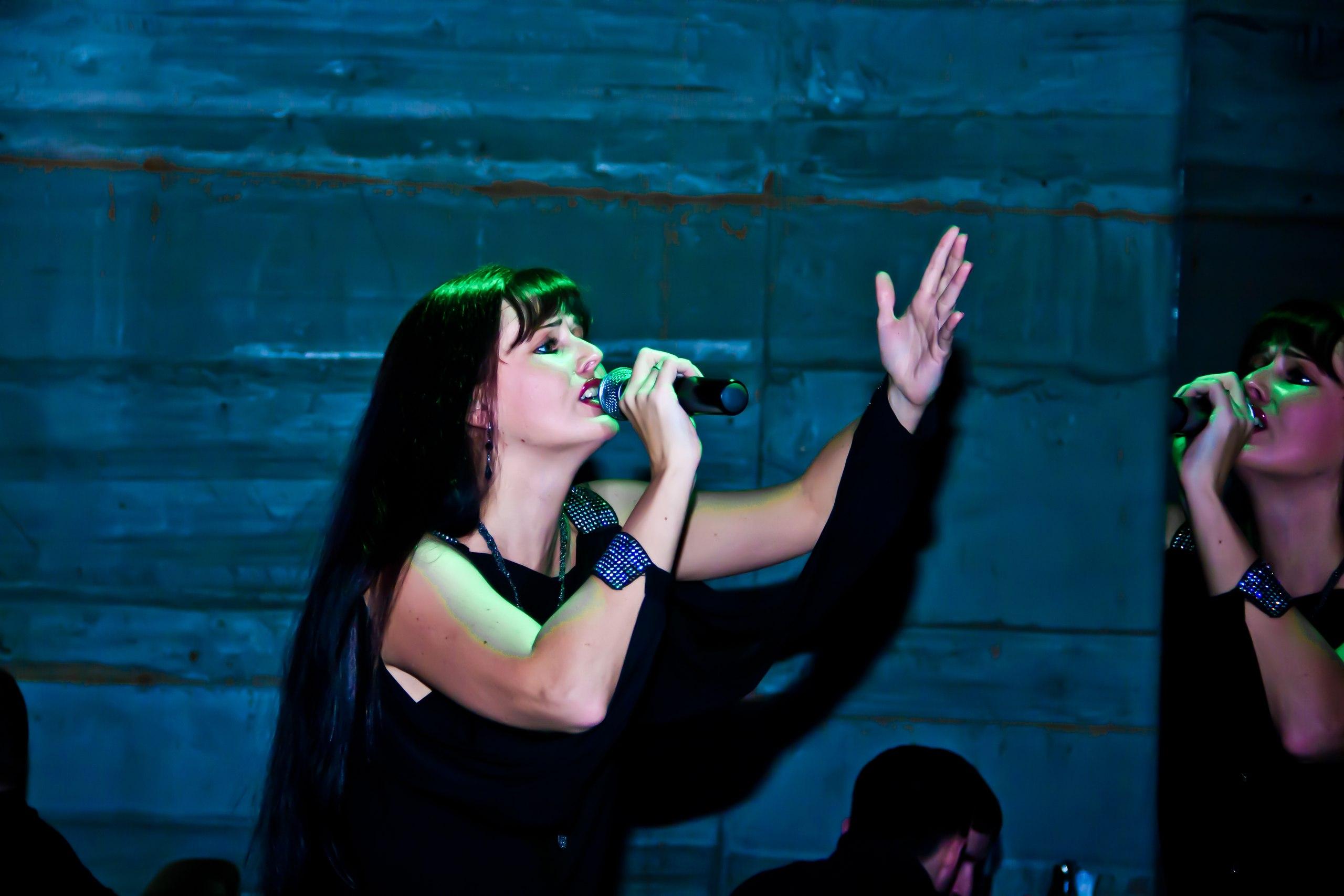 Джазовая вокалистка Ирина Алешина