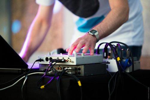 Электрочетверг в стиле техно-джаз и эмбиент