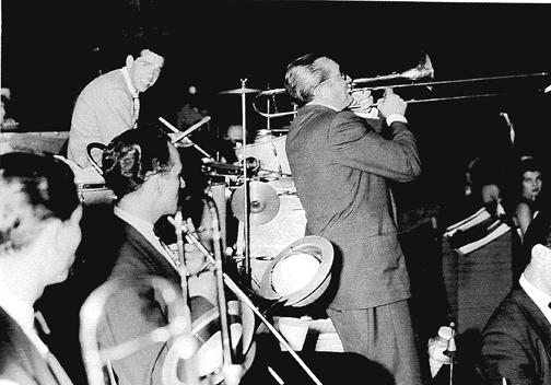Бадди Рич в оркестре Томми Дорси