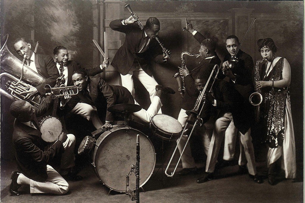 jazz music in the 1920s Jazzstandardscom: the premier site for the history and analysis of the standards jazz musicians play the most.