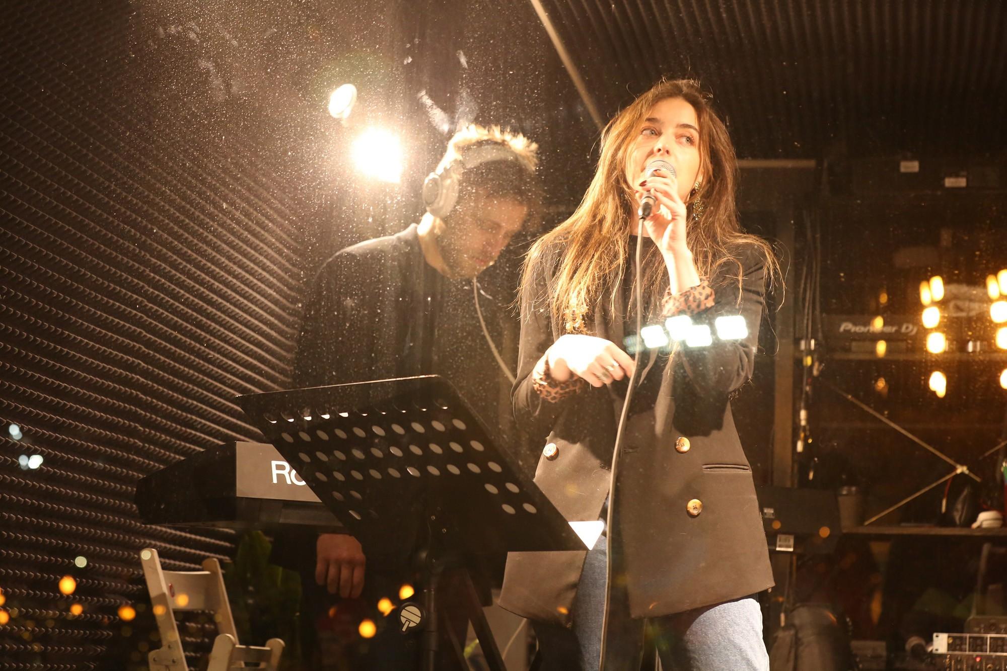 Саша Фрид выпустила новый альбом «клише.нежно»