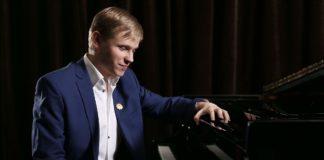 Олег Аккуратов стал обладателем почетного звания Лауреата премии Президента