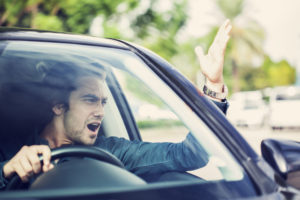 Mannen zijn roekelozer in het verkeer dan vrouwen