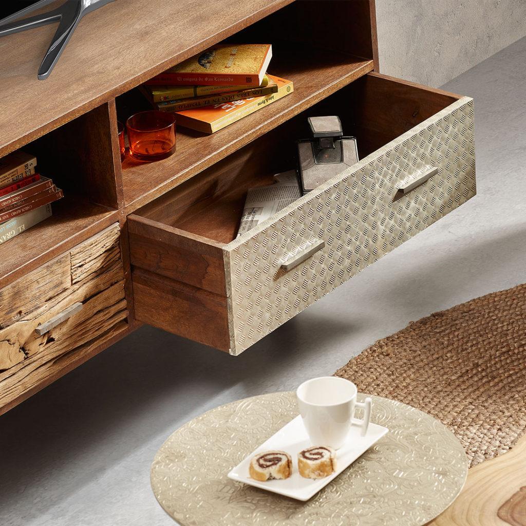 Meubles en bois et accessoires en fibre naturelle Kavehome