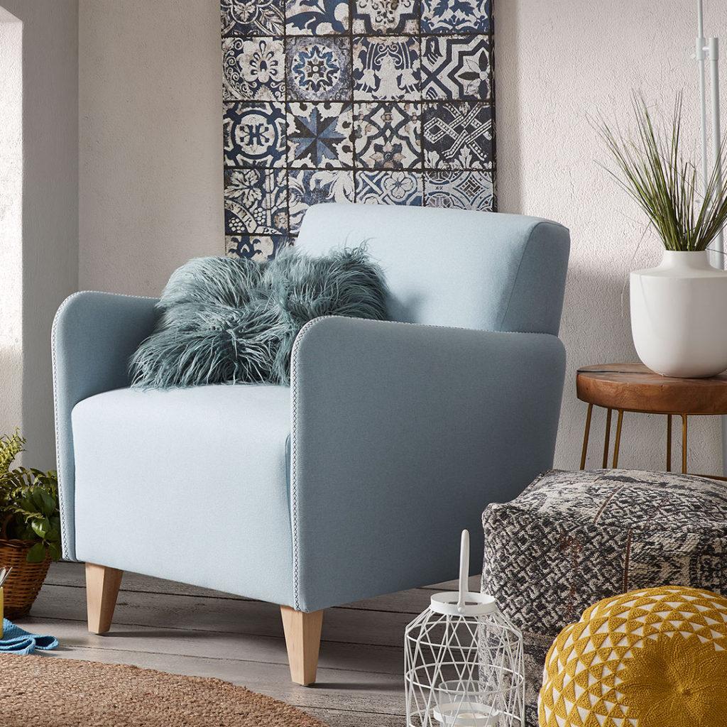 Déco murale assortie à vos meubles pour un salon parfait par Kavehome