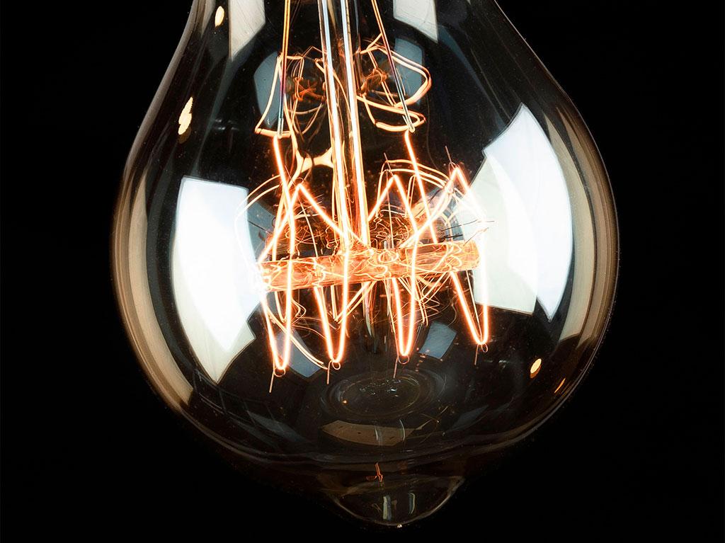 diseño-lampara-iluminacion-interiorismo-luz-decoracion-bombilla