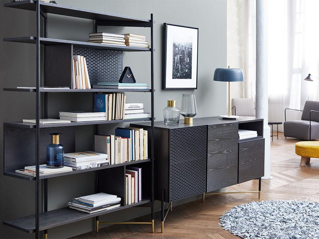 interiorismo-diseño-madera-metal-dorado-salon-recibidor-estanteria-mueble