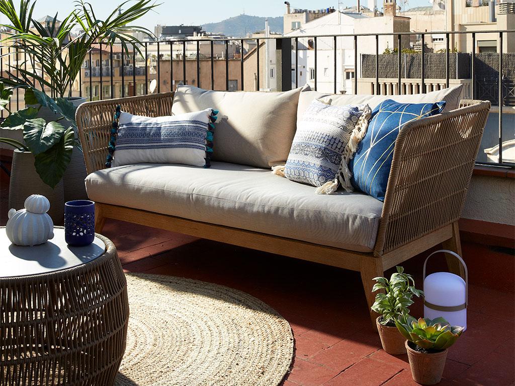 interiorismo-diseño-sofa-cojin-balcon-terraza-decoracion-office-estudio