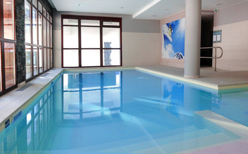 Flaine panoramic piscine hr