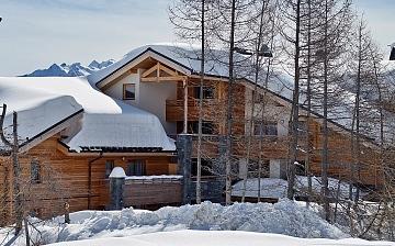 Ihre Ferienwohnung Alpenrose, unweit der Pisten in Alpe d'Huez.  Skifahren in den französischen Alpen. Skiurlaub in Frankreich.
