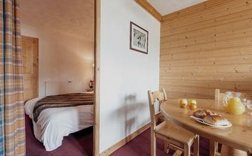 Unterkünfte in Les Menuires, Trois Vallees ∙ Eine Ferienwohnung der Residenz Les Chalets de l'Adonis in Les Menuires, Skigebiet Les 3 Vallees (Trois Vallees), Frankreich - Skifahren in den französischen Alpen.