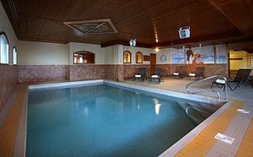 Chalet Hermine Ferienwohnungen in Val Thorens - Pool