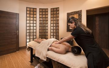 Kashmir hotel espace de%e2%95%a0%c3%bctente spa nohem massage 002 credit lebeau