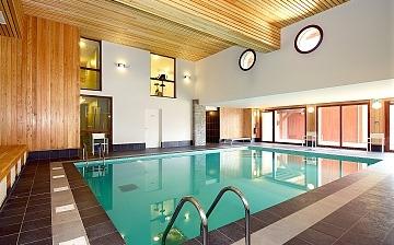 Alpe d'Huez ∙ Ferienwohnungen La Cascade – Les Epinettes ∙ Vaujany (1250 m) ∙ Pool