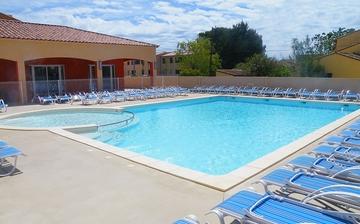 Schwimmbad der Residenz Le Mas des Flamants