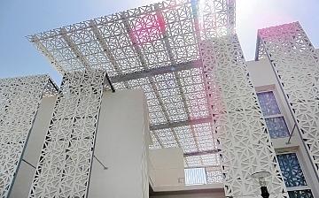 Unterkunft in Cap d'Agde. Die Residenz Nakara bietet Ferienwohnungen und Ferienhäuser unterschiedlicher Größen, für jeweils 6 - 8 Personen und ist nur ca 150m vom Meer entfernt. Sommerurlaub in Südfrankreich.