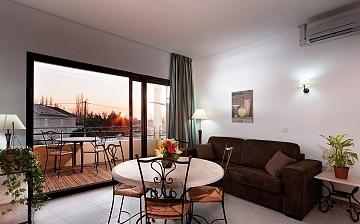 Wohnzimmer in einem Ferienhaus der Residenz L'Oustau de Sorgue ∙ Ferienhäuser in L'Isle sur la Sorgue ∙ Provence ∙ Südfrankreich