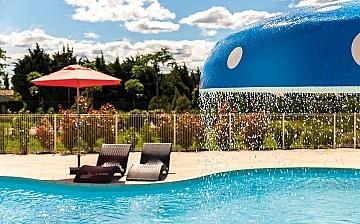 Pool der Residenz L'Oustau de Sorgue ∙ Ferienhäuser in L'Isle sur la Sorgue ∙ Provence ∙ Südfrankreich