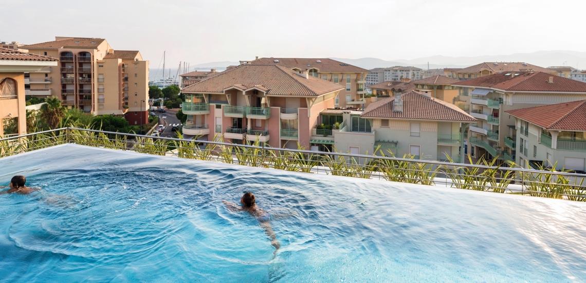 Dach-Pool auf der Residenz Villa Romana - Sommerurlaub in Frejus Plage - Cote d'Azur - Südfrankreich