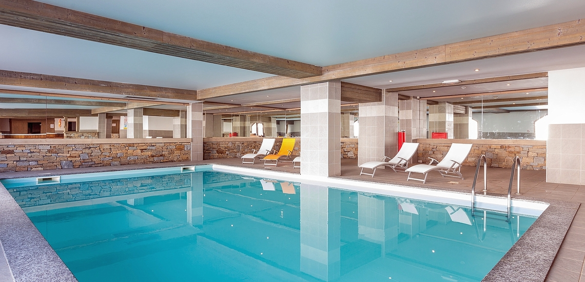 Das Schwimmbad der Unterkunft Sun Valley ∙ La Plagne Soleil ∙ Paradiski La Plagne