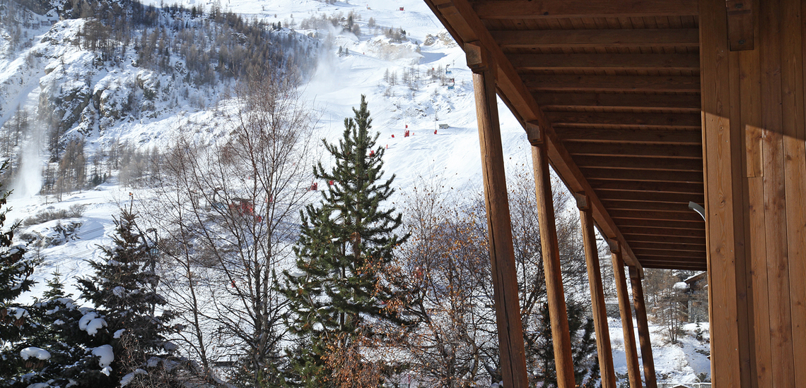 Chalet Le Cabri in Val d'Isere. Balkon.