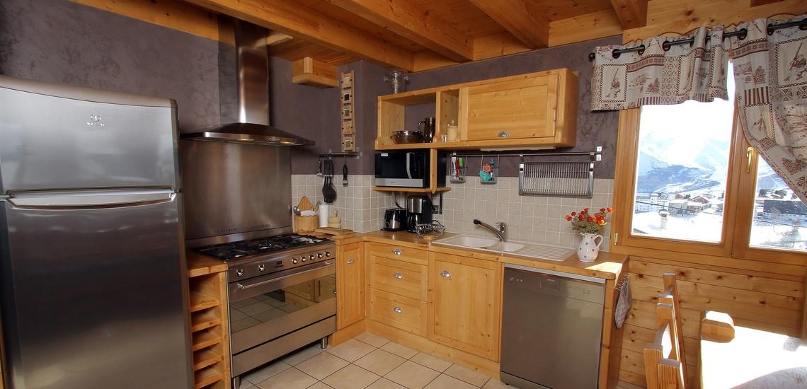 Chalet Le Jardin d'Hiver · Ihr Chalet in La Toussuire / Skigebiet Les Sybelles · Küche