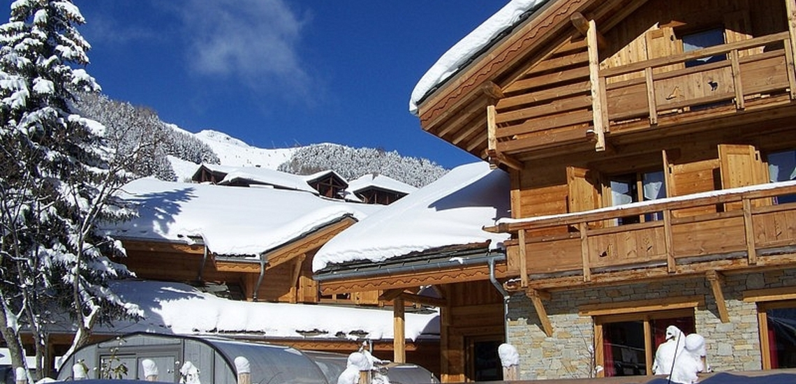 Chalet Prestige Lodge in Les 2 Alpes / Deux Alpes · Chalet im Winter