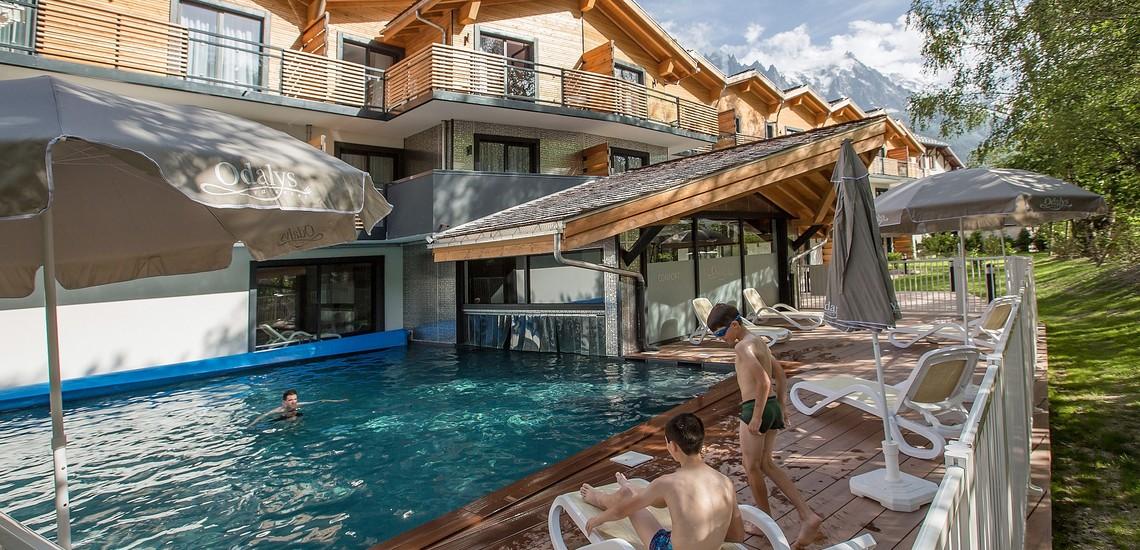 Isatis - Chamonix Mont Blanc - Pool außen