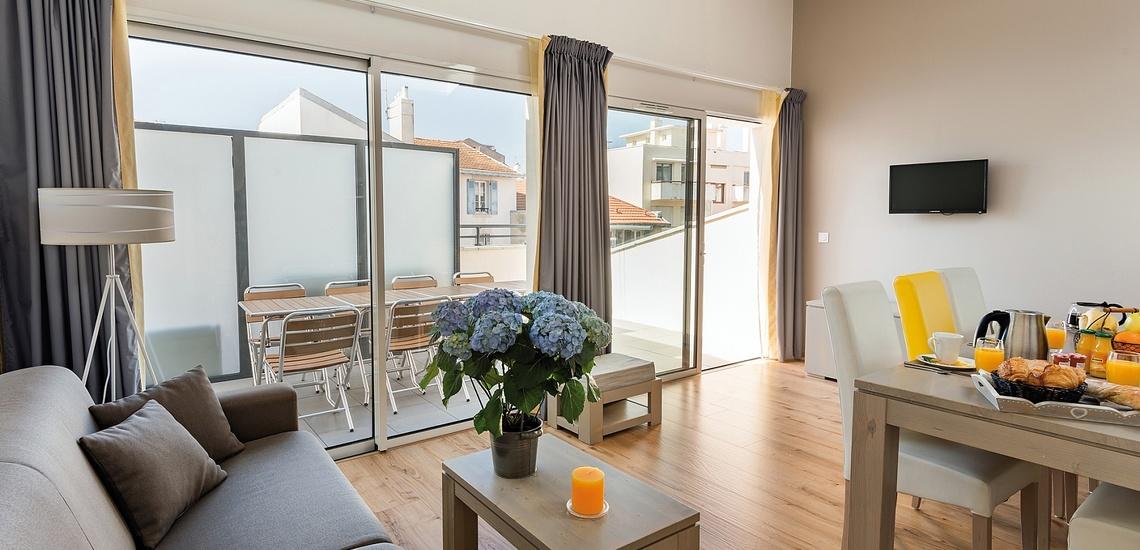 Biarritz · Ferienwohnungen · Les Patios Eugenie - Wohnzimmer