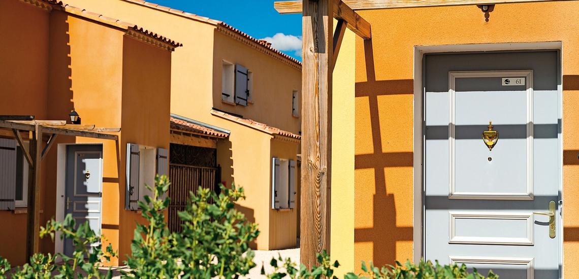 Ferienhäuser der Residenz L'Oustau de Sorgue ∙ Ferienhäuser in L'Isle sur la Sorgue ∙ Provence ∙ Südfrankreich
