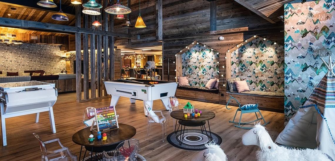 Val d'Isere - Ferienwohnungen Chalet Izia ∙ Billard-Salon