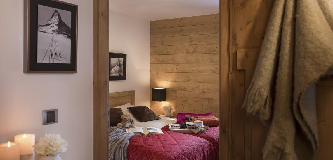 Ein Schlafzimmer des Panorama Vars 2000 direkt in Vars - Les Claux, Frankreich.