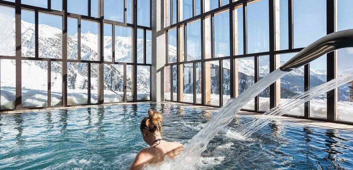 Hallenbad des Alparena Hotel & Spa, Unterkünfte in La Rosiere, Skigebiet Espace San Bernardo, Skireisen/Skiurlaub in Frankreich, französische Alpen.