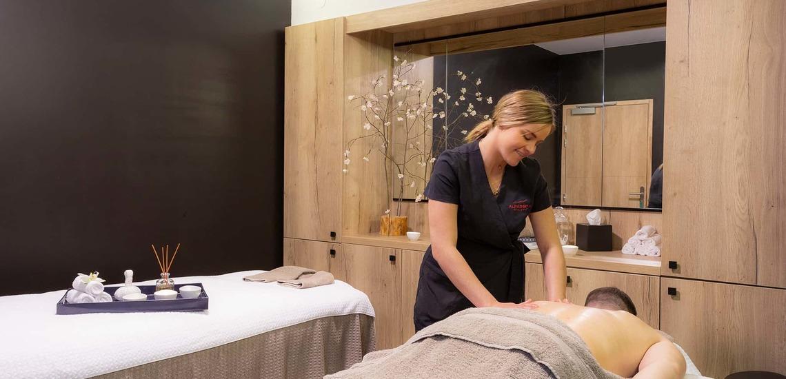 Massage-Salon im Alparena Hotel & Spa, Unterkünfte in La Rosiere, Skigebiet Espace San Bernardo, Skireisen/Skiurlaub in Frankreich, französische Alpen.