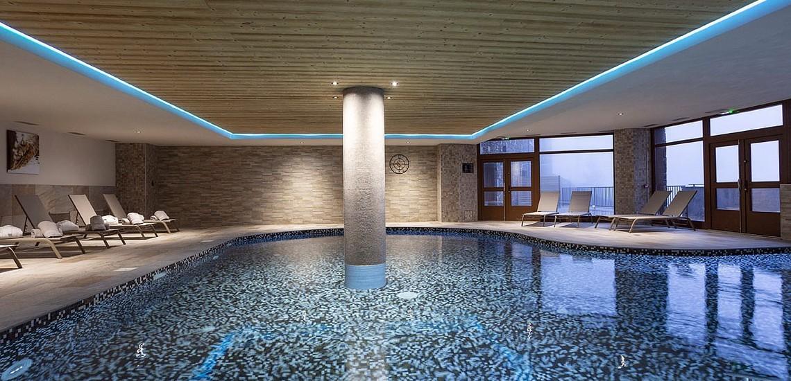 Pool der Residenz Daria-I Nor - Ferienwohnungen in Alpe d'Huez