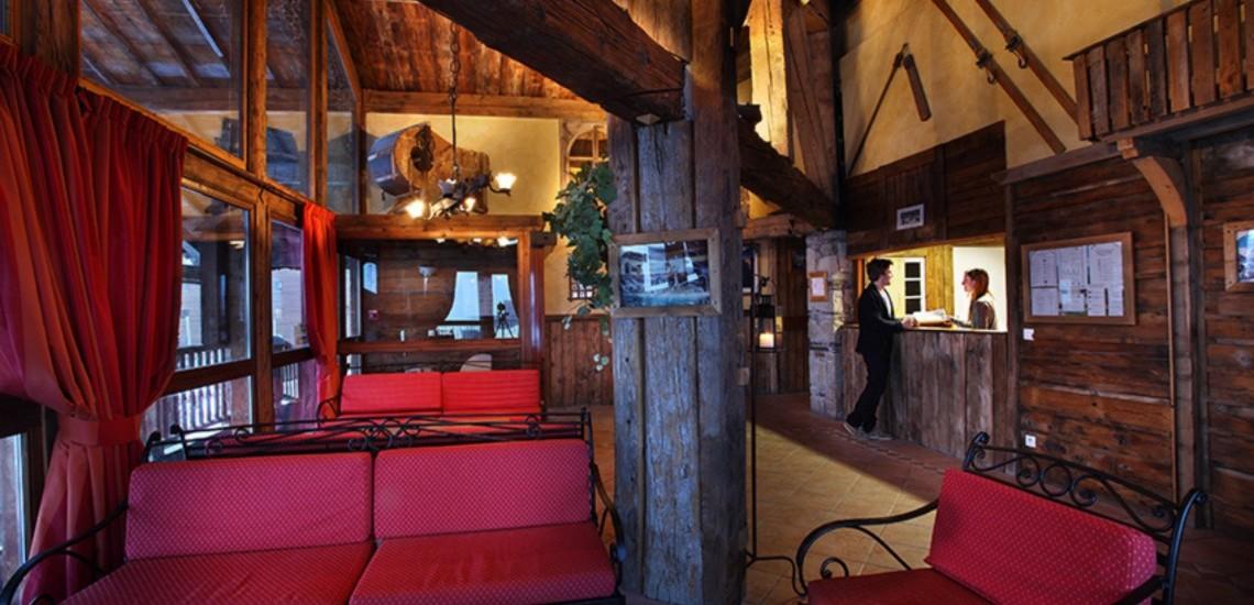 Unterkünfte Val Thorens • Ferienwohnung Chalet Hermine • Val Thorens - Les 3 Vallees / Trois Vallees • Empfangs-Salon und Rezeption der Residenz Chalet Hermine