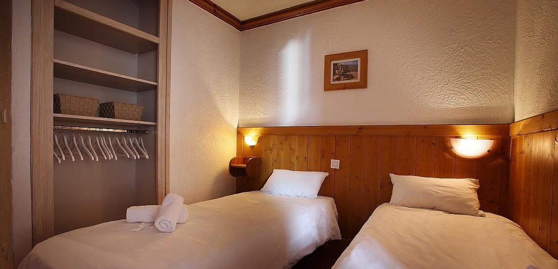Unterkünfte Val Thorens • Ferienwohnung Chalet Hermine • Val Thorens - Les 3 Vallees / Trois Vallees • Schlafzimmer mit 2 Einzelbetten in einer Ferienwohnung der Residenz Chalet Hermine