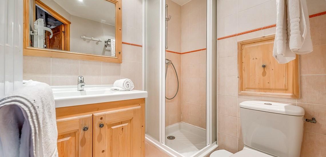 Chalet Gypaete - Ferienwohnungen in Tignes - 6-Zi.-Whg.10 - Dusche, WC