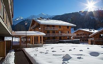 La Clusaz Ferienwohnungen · Skireisen, Winterurlaub! Skifahren in den französischen Alpen - Ferienwohnungen in der Komfort-Unterkunft Residenz Mendi Alde, im Skigebiet Massif des Aravis, La Clusaz (1100 m)