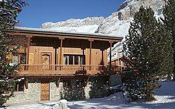 Ferienhaus / Chalet Le Cabri in Val d'Isere. Das Chalet direkt an den Pisten von Val d'Isere. Skiurlaub im Skigebiet vom Tignes und Val d'Isere.