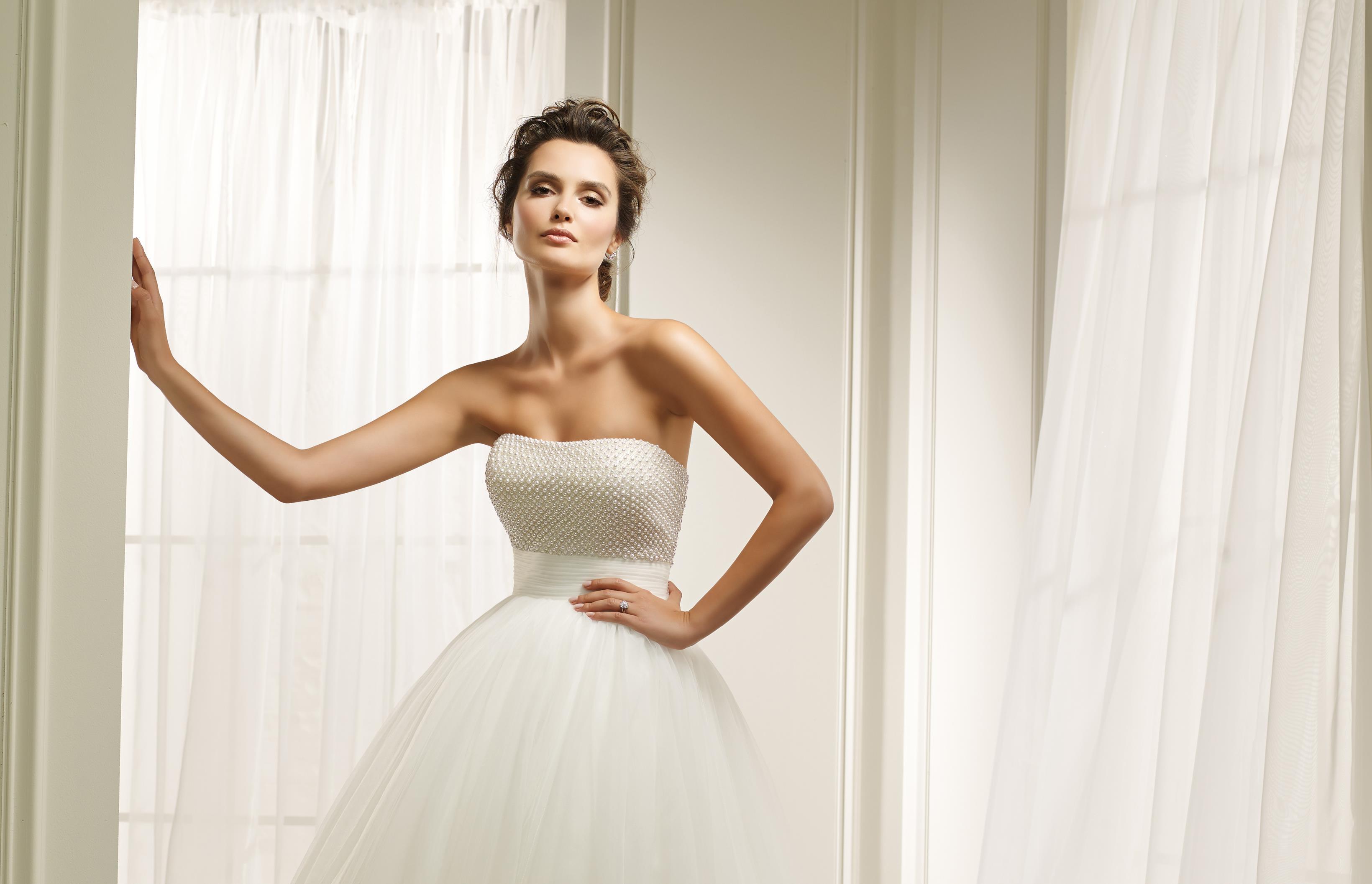 Bovenstuk Trouwjurk.5 Trouwjurken Voor De Klassieke Bruid De Specialist In Bruidsmode