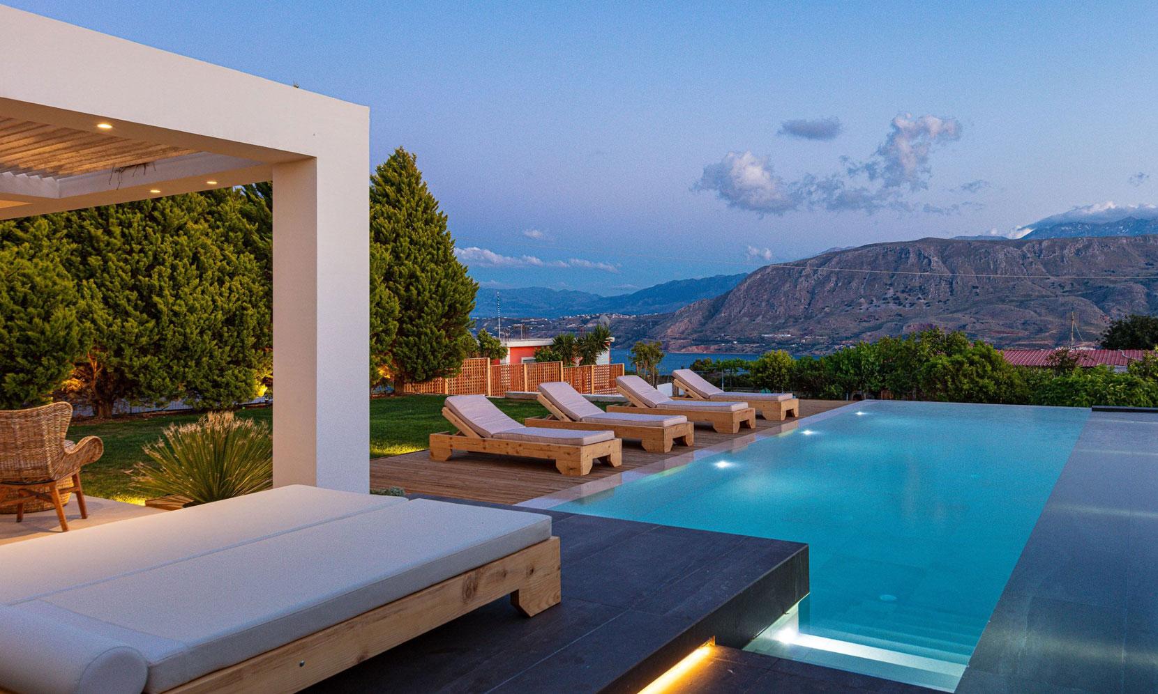 Crete Villa Amaryllis jumbotron image