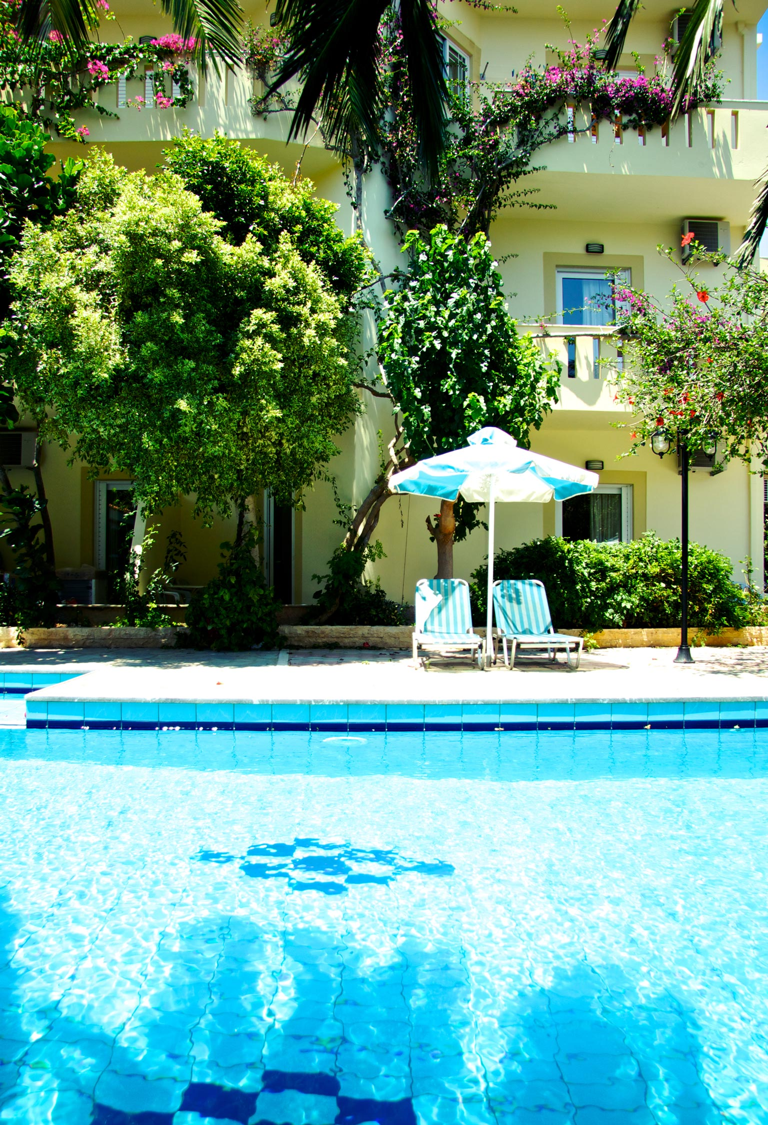 Sunrise Hotel & Apartments - Traditional friendly Cretan hospitality ...